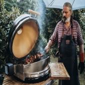Un evento al aire libre muy especial tendrá lugar del 23 al 25 de julio en Schweinstal cerca de Kaiserslautern (Alemania): ¡Wutzrock 2021! 🤘🏻🎸  A los españoles nos pilla un poco lejos pero recibimos la noticia con muchísima alegría después de estos dos veranos sin eventos al aire libre. 💃   ¡El chef estrella Peter Scharff, Stephan Stohl & otros chefs, ofrecerán un programa mega-exclusivo donde calentarán realmente el ambiente cocinando en directo con una barbacoa #kamado MONOLITH 🔥  Música Rock, bebida, BARBACOA y buen ambiente 🥳  Para tod@s aquellos que os pudiese interesar, la venta de tickets está abierta. Entrad en la cuenta de @monolithbbq y encontraréis toda la información.  #slpbarbacoas #barbacoa #kamado #brasa #bbq #barbecue #monolithgrill #evento #verano2021 #grill #alabarbacoasabemejor #airelibre #garden #jardin #patio #kamadomonolith